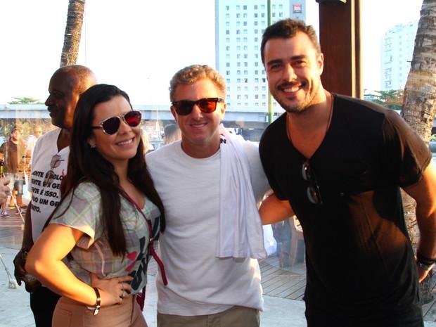 Fernanda Souza, Luciano Huck e Joaquim Lopes em festa na Zona Oeste do Rio (Foto: Anderson Borde/ Ag. News)