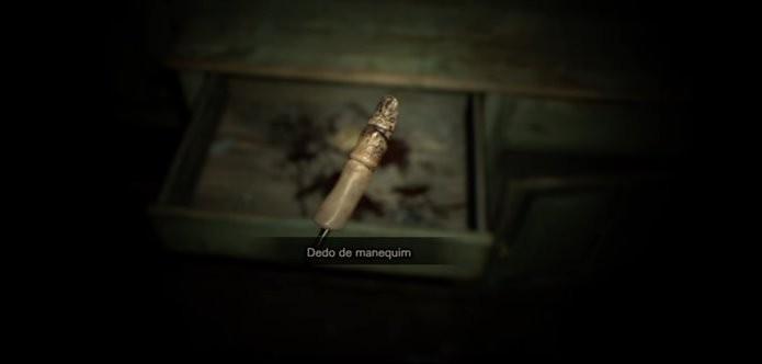 Item estava presente, sem utilidade, desde o lançamento da demo de Resident Evil 7 (Foto: Reprodução/Felipe Demartini)