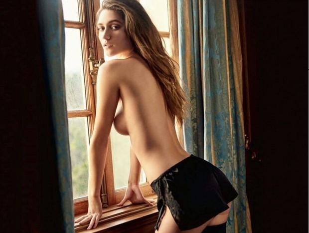 A modelo Elizabeth Elam em seu ensaio para a Playboy dos EUA (Foto: Divulgação)