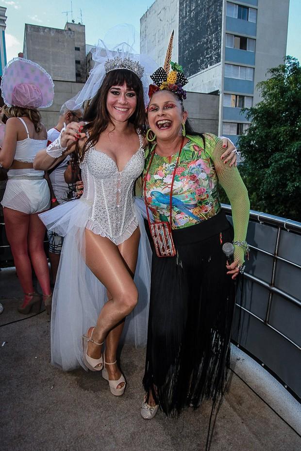 Alessandra Negrini e Fafá de Belém (Foto: Agnews)