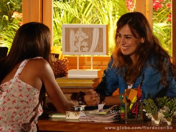 Natália fica feliz com o apoio da filha (Foto: Flor do Caribe/ TV Globo)