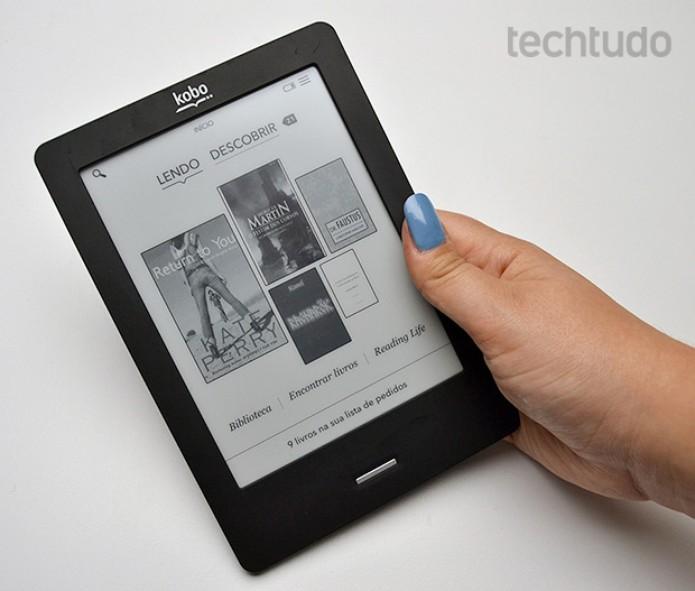 E-reader Kobo Touch visto de frente (Foto: Stella Dauer/TechTudo)
