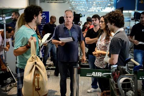 Jayme Monjardim dirige Jayme Matarazzo, Cyria Coentro e Guilherme Lobo (Foto: Alex Carvalho/ TV Globo)