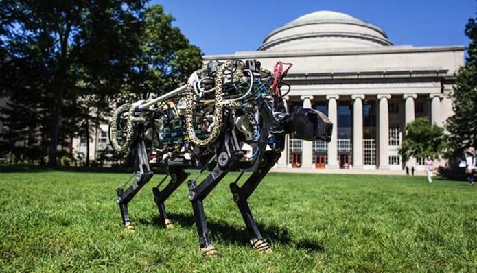 Algoritmo permite que robô corra e salte sem perder velocidade (foto: Reprodução/MIT)