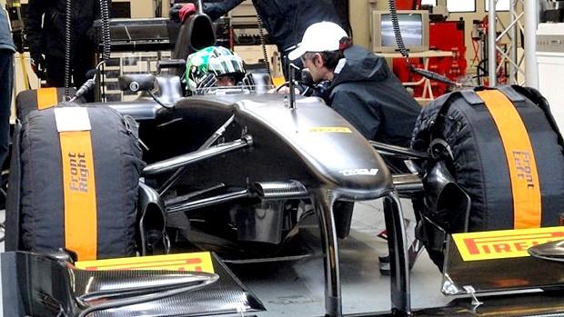 lucas di grassi teste fórmula 1 pneus pirelli (Foto: Divulgação)