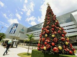 Shopping Barra anda não realizou a decoração de Natal, mas detalhes da festa natalina já pode ser vista no centro de compras (Foto: Valter Pontes/Divulgação)