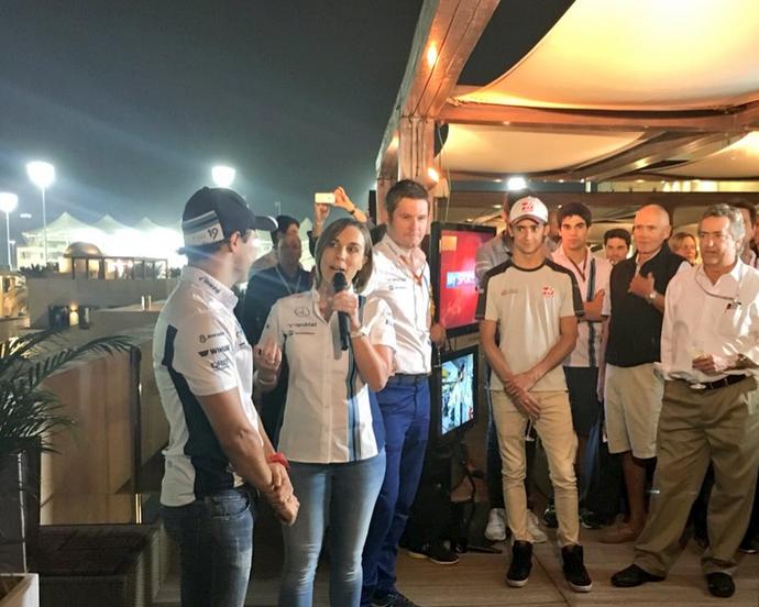 Felipe Massa é homenageado pela Williams, com a presença de integrantes de equipes rivais (Foto: Reprodução)