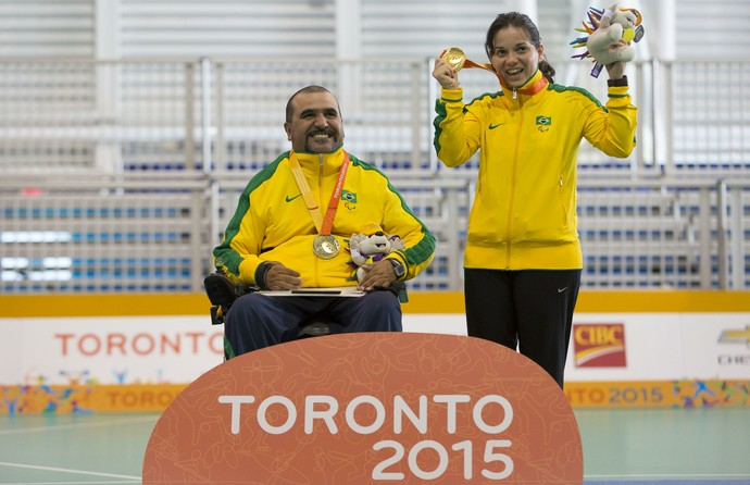 Ao lado da esposa Adriana, Richardson foi campeão parapan-americano (Foto: Leandra Benjamin/MPIX/CPB)