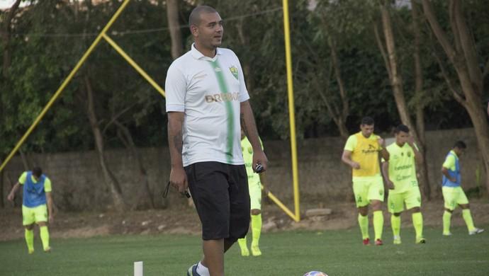 Hugo Alcântara, treinador interino, Cuiabá (Foto: Assessoria/Cuiabá Esporte Clube)
