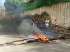 Moradores de Colatina protestam após Samarco parar de distribuir água