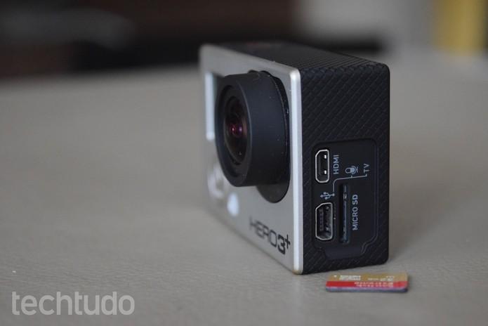 Remova o cartão SD da GoPro e formate-o no computador  (Foto: Juliana Pixinine/TechTudo)