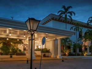 Tropical Hotel fica em plena praia da Ponta Negra (Foto: Divulgação/Tropical Hotel)