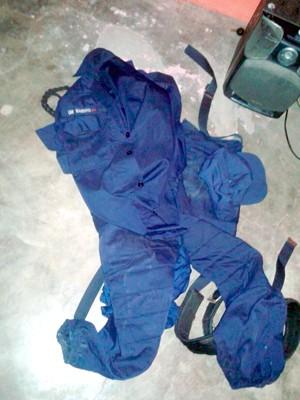 Relatório da PM cita que as fardas foram roubadas na semana passada, quando houve um assalto ao posto da Guarda Municipal que fica no terminal de ônibus do Soledade II, também na Zona Norte da cidade (Foto: Divulgação/Polícia Militar do RN)