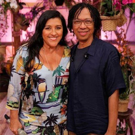 Regina Casé e Djavan  (Foto: João Januário/ TV Globo)