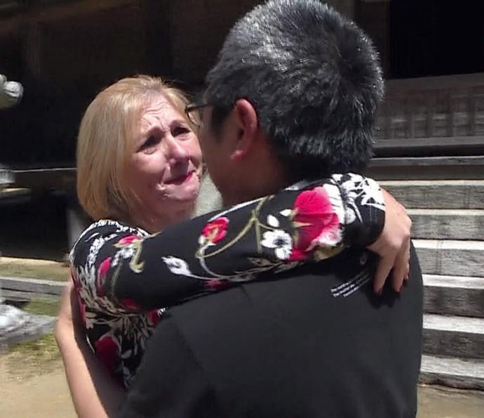 Sheila se emociona ao encontrar o marido pela primeira vez (Foto: TV Globo)