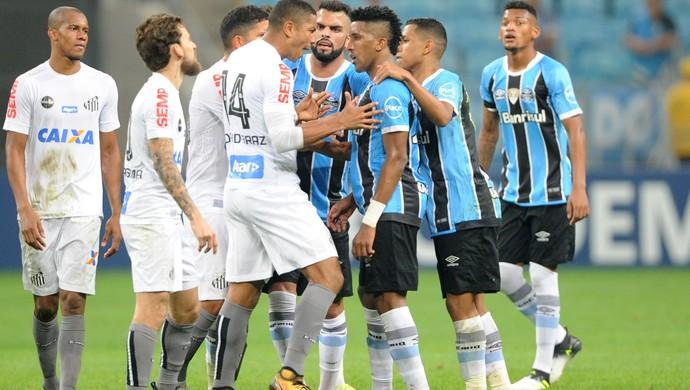 Partida termina com confusão entre Grêmio e Santos (Foto: Wesley Santos/Agência PressDigital)