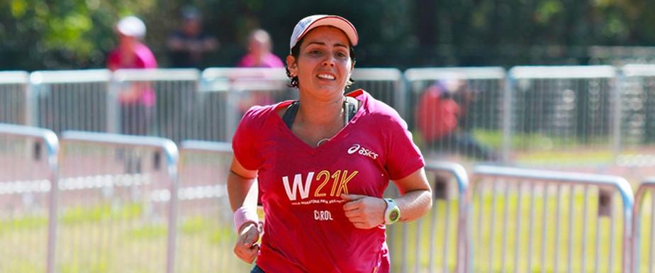 Com inspiração nas redes sociais e foco na corrida, professora emagrece 27kg