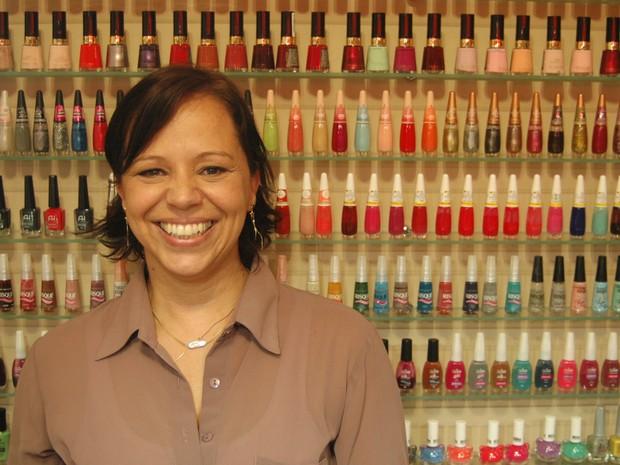 """Luciane montou salão com conceito """"Nail Bar"""" em Porto Alegre (Foto: Daniel Bittencourt/G1 RS)"""