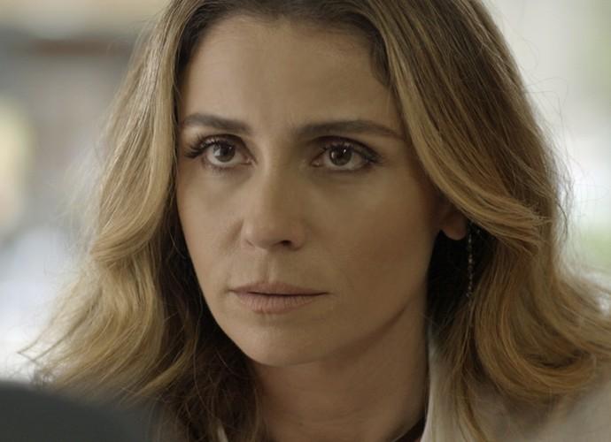 Atena diz estar disposta a ajudar Romero (Foto: TV Globo)