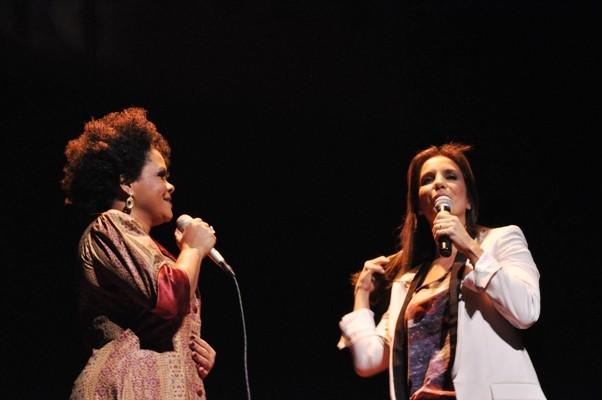 Ivete canta no show de  Márcia Short  (Foto: Genilson Coutinho/Divulgação)