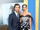 Matthew McConaughey e Camila Alves vão a première de filme nos EUA