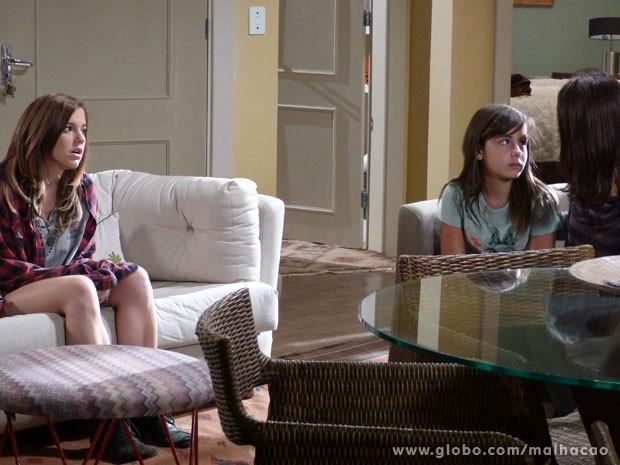 Olha a carinha de choro da Tatá! E a Lia boladona? VISH! (Foto: Malhação / Tv Globo)