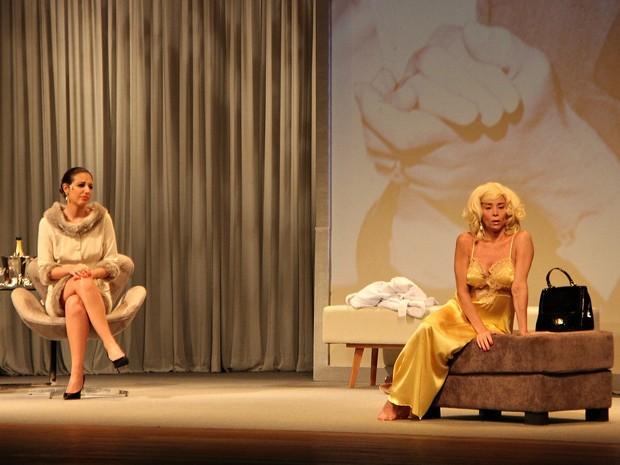 Espetáculo tem a atriz Danielle Winits no papel de Marilyn Monroe (Foto: Indiara Bessa/G1 AM)