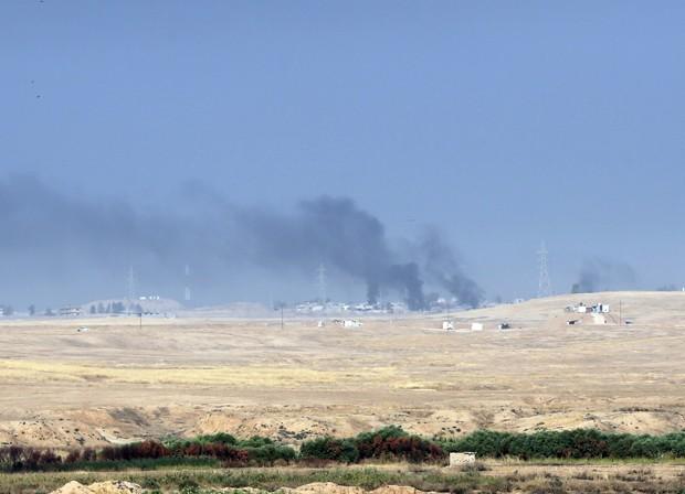 Explosões puderam ser ouvidas da entrada leste da cidade de Mossul (Foto: Khalid Mohammed/AP)