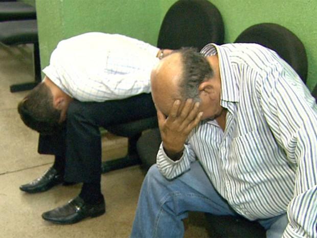 Homens de 29 e 75 anos foram presos aplicando golpe em aposentado (Foto: Valdinei Malaguti/EPTV)