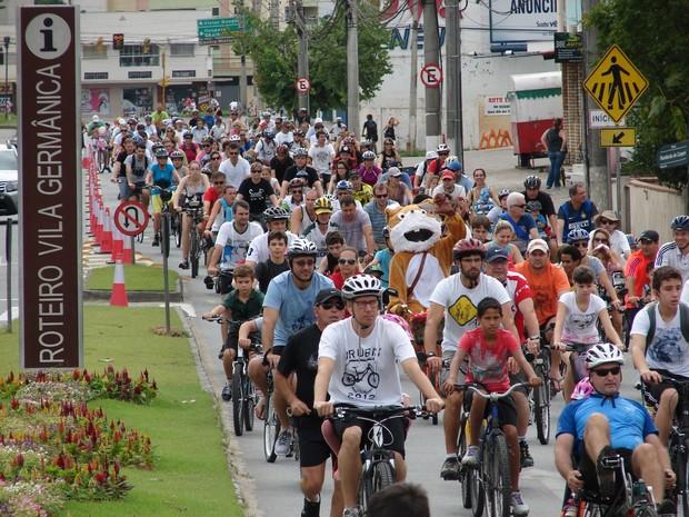 Passeio Ciclístico pela Vila da Páscoa (Foto: Jaime Batista da Silva / divulgação)