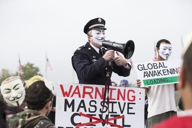 Grupos de hackers, como o Anonymous, podem ter um papel importante na aliança para a guerra cibernética (Foto: Getty Images)