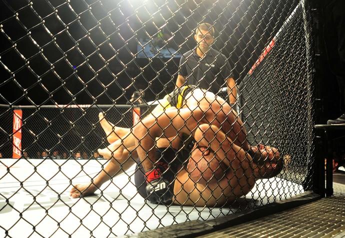 Marcos Pezão, Gadzhimurad Antigulov, UFC São Paulo, MMA (Foto: Marcos Ribolli)