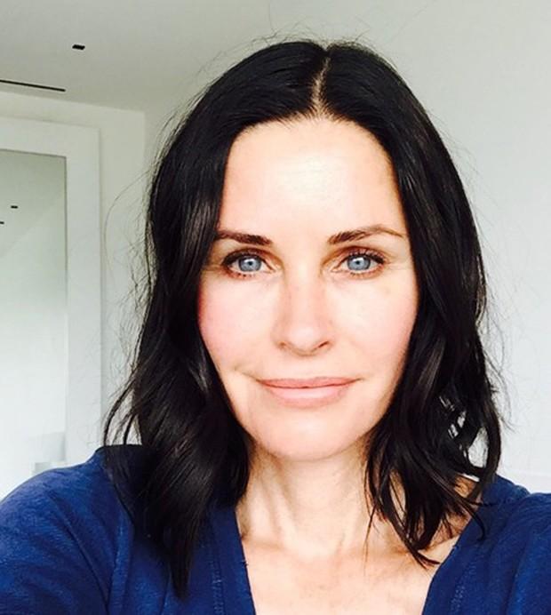 Courtney Cox sem maquiagem (Foto: Reprodução)