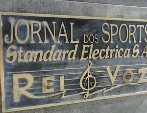 detalhes estátua Bellini maracanã  (Foto: Thiago Dias)
