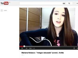 Mariana Nolasco em imagem do vídeo da versão acústica de 'Meiga e abusada', de Anitta (Foto: Reprodução/YouTube)