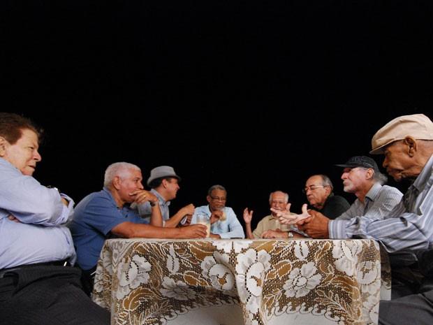 Spok (terceiro da esquerda para a direita) teve a ideia de homenagear seus mestres: Guedes Peixoto, Duda, Edson Rodrigues, Zé Menezes, Clóvis Pereira, Ademir Araújo e Nunes (Foto: Divulgação/Leopoldo Conrado Nunes)