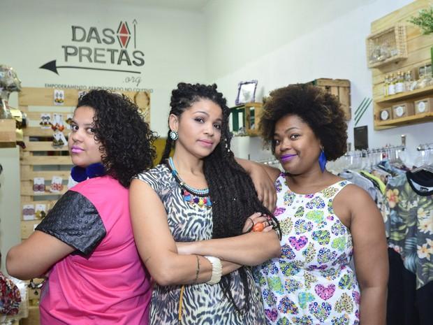 Dany, Priscila e Meyrieli organizam a colônia de férias Quilombinho (Foto: Guilherme Ferrari/ A Gazeta)