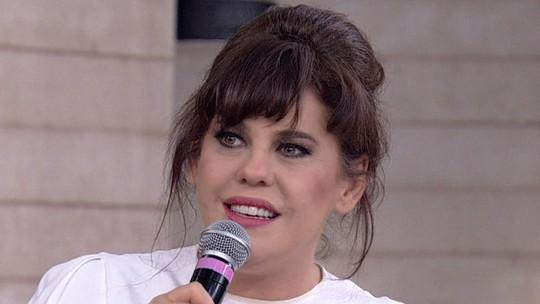 Bárbara Paz visita médium João de Deus para superar perda do marido: 'Ganhei um novo pai'