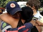 Socorrista chora ao rever criança que salvou após acidente em GO; vídeo