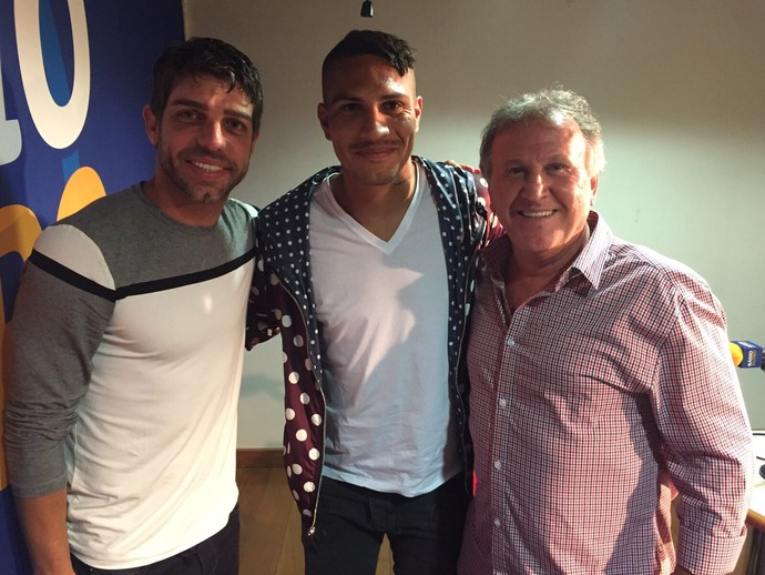 Guerrero, Zico e Juninho Pernambucano  (Foto: MasterEsportes/Divulgação)