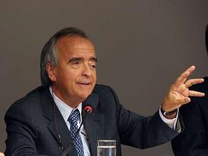 O ex-diretor da área internacional da Petrobras Nestor Cerveró esclarece a deputados federais compra da refinaria de Pasadena, no Texas (EUA) (Foto: Luis Macedo / Câmara dos Deputados)