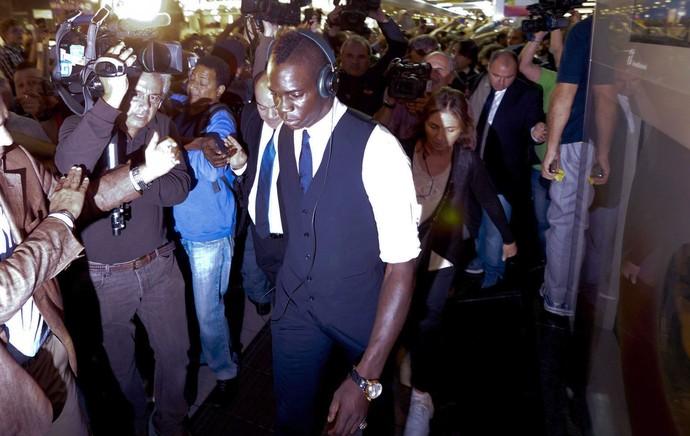 Balotelli desembarque seleção Itália (Foto: EFE)
