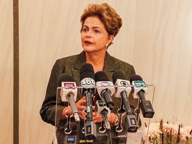 A presidente Dilma Rousseff durante entrevista à imprensa, em Estocolmo (Foto: Roberto Stuckert Filho/PR)