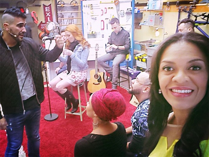 A backing vocal Shirley também fez selfie minutos antes de começar o programa  (Foto: Arquivo pessoal)
