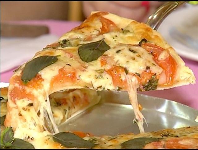 Pizza de aimpim  (Foto: Reprodução / Inter TV)
