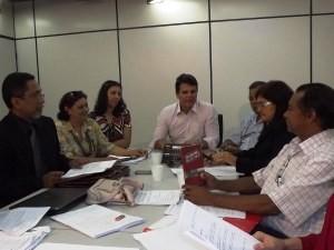 Representantes do governo e Sindicato definiram novo Estatuto (Foto: Divulgação/Ascom Segep)