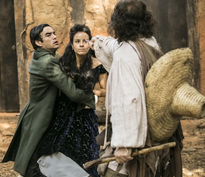 Joaquina defende o irmão (Foto: Raphael Dias/Gshow)