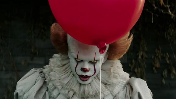O ator Bill Skarsgard no papel do palhaço Pennywise do aguardado It: A Coisa (Foto: Reprodução)