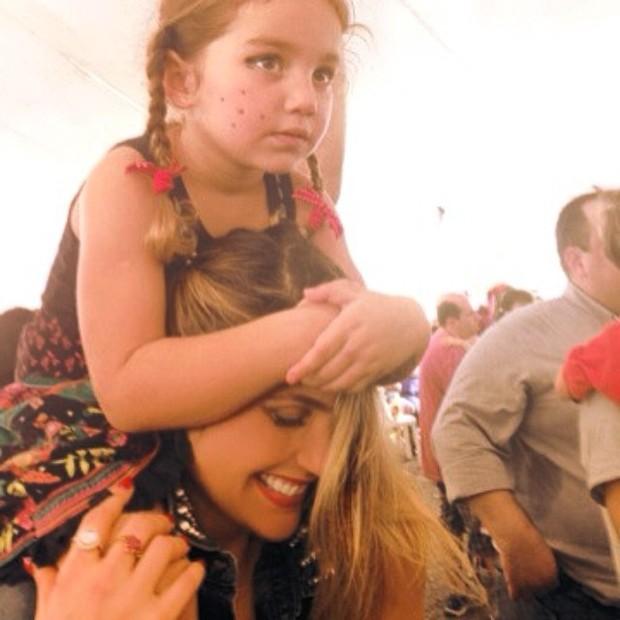 Flavia Alessandra e a filha Olívia (Foto: Reprodução do Instagram)