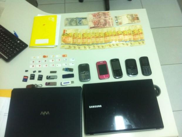 Material apreendido foi levado para a Delegacia de Narcóticos, em Natal (Foto: Divulgação/Polícia Civil)